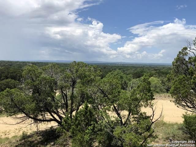 1807 Schmidke Rd, Bandera, TX 78003 (#1542850) :: The Perry Henderson Group at Berkshire Hathaway Texas Realty