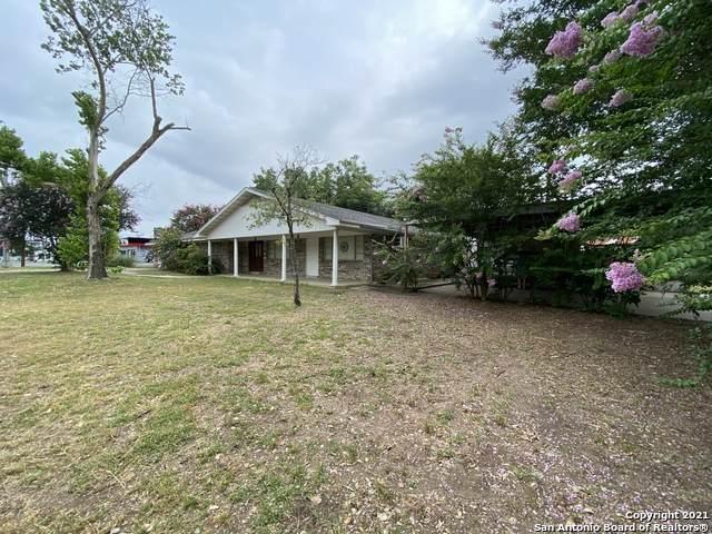 1206 N Bryant St, Pleasanton, TX 78064 (MLS #1542852) :: Exquisite Properties, LLC