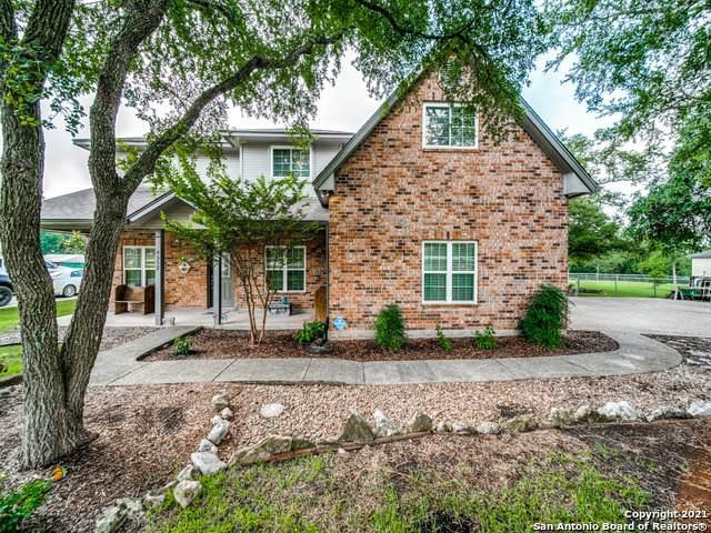 9352 Osage Cir, Garden Ridge, TX 78266 (MLS #1542870) :: The Gradiz Group