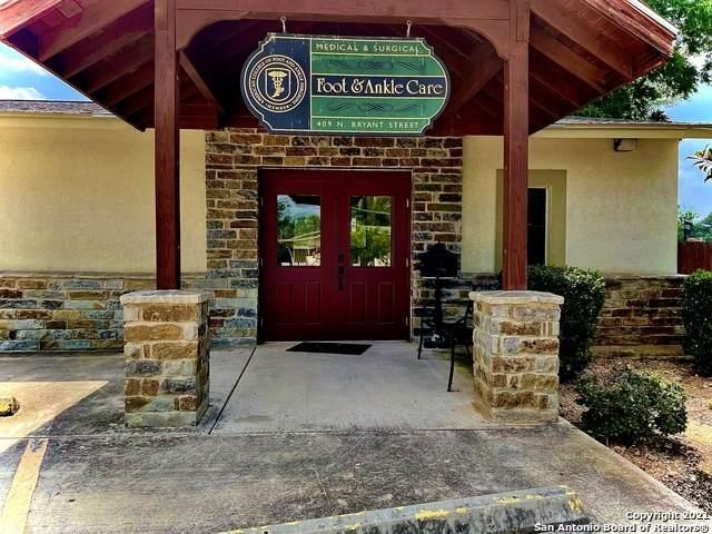 409 N Bryant St, Pleasanton, TX 78064 (MLS #1542931) :: The Real Estate Jesus Team