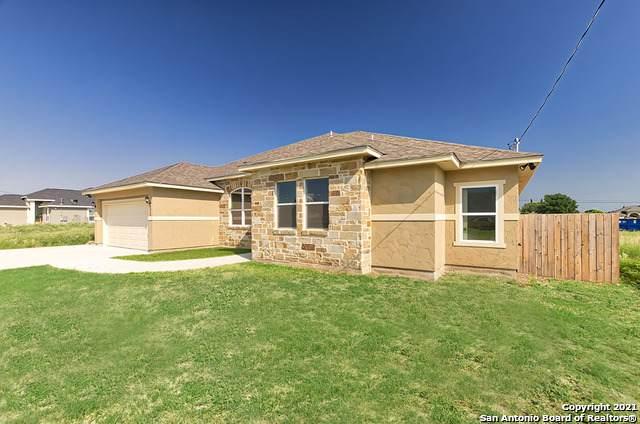 8513 Utopia Blvd, Selma, TX 78154 (#1543114) :: Zina & Co. Real Estate