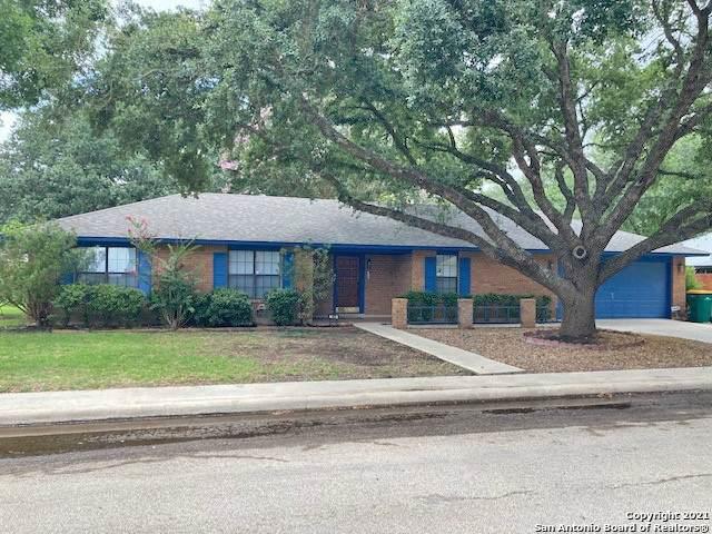 103 Harvest Moon, Castroville, TX 78009 (MLS #1543291) :: The Real Estate Jesus Team