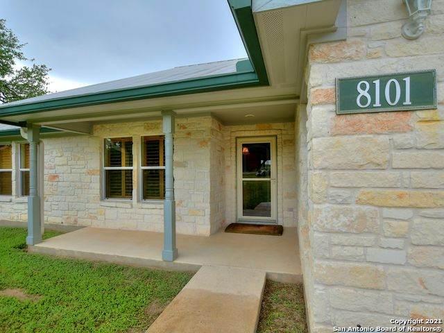 8101 Ozark Dr, San Marcos, TX 78666 (MLS #1543300) :: The Glover Homes & Land Group