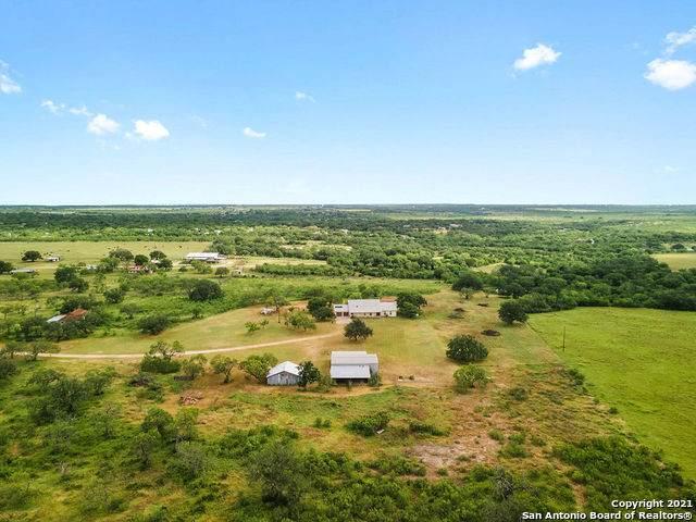 105 Private Road 567, Hondo, TX 78861 (#1543433) :: Zina & Co. Real Estate