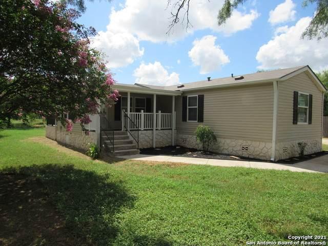 260 Fern Hollow Dr, Jourdanton, TX 78026 (MLS #1543506) :: The Rise Property Group