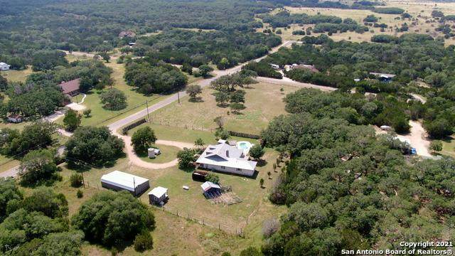 1189 Lazy Frst, New Braunfels, TX 78132 (MLS #1543510) :: The Rise Property Group