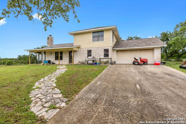 2291 Fm 2722, New Braunfels, TX 78132 (MLS #1543526) :: Carter Fine Homes - Keller Williams Heritage