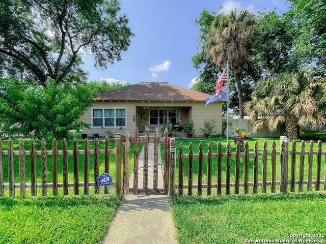 130 E Anglin St, Uvalde, TX 78801 (MLS #1543624) :: JP & Associates Realtors