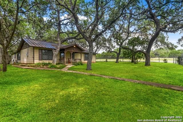114 Red Oak Ln, Canyon Lake, TX 78133 (MLS #1543754) :: Countdown Realty Team