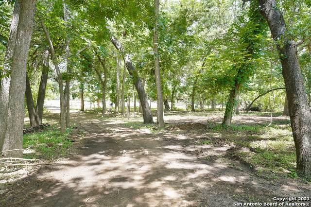 15864 Moore Rd, Von Ormy, TX 78073 (MLS #1543783) :: Carter Fine Homes - Keller Williams Heritage