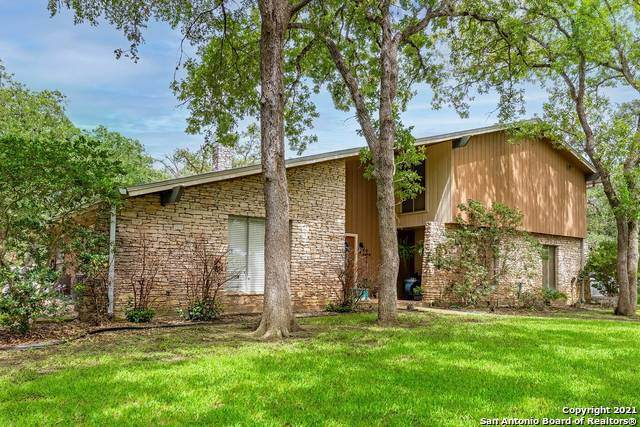710 E Sarah Dewitt, Gonzales, TX 78629 (MLS #1543837) :: Carter Fine Homes - Keller Williams Heritage