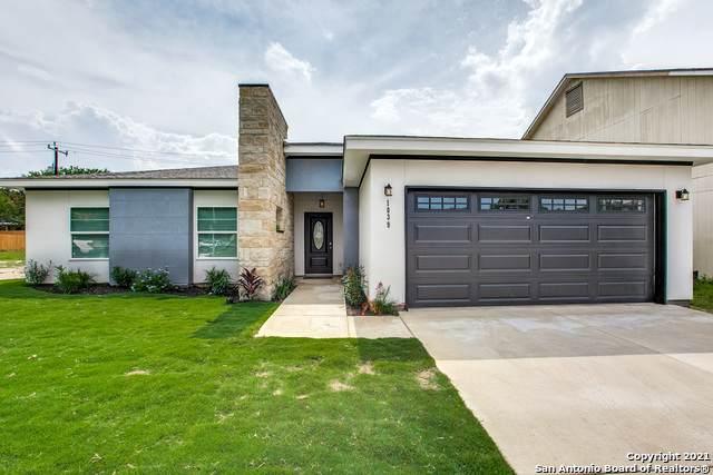 1039 Arrowhead Trail, San Antonio, TX 78245 (MLS #1543915) :: The Gradiz Group