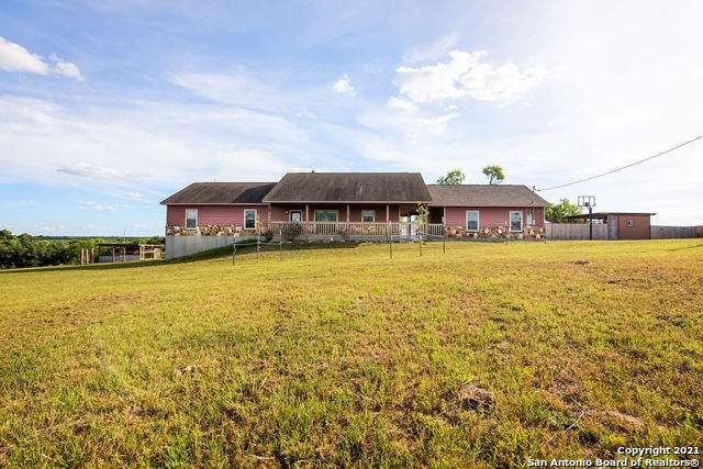810 Encino Cir, Floresville, TX 78114 (MLS #1544034) :: Exquisite Properties, LLC