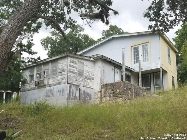 12584 Park Road 37, Pipe Creek, TX 78063 (MLS #1544052) :: The Gradiz Group