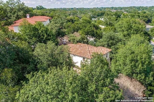 728 Garraty Cir, Terrell Hills, TX 78209 (MLS #1544350) :: The Gradiz Group