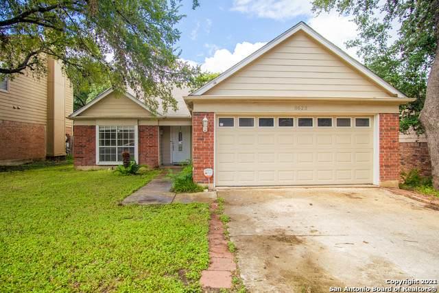8623 Silent Oaks, San Antonio, TX 78250 (#1544479) :: Zina & Co. Real Estate