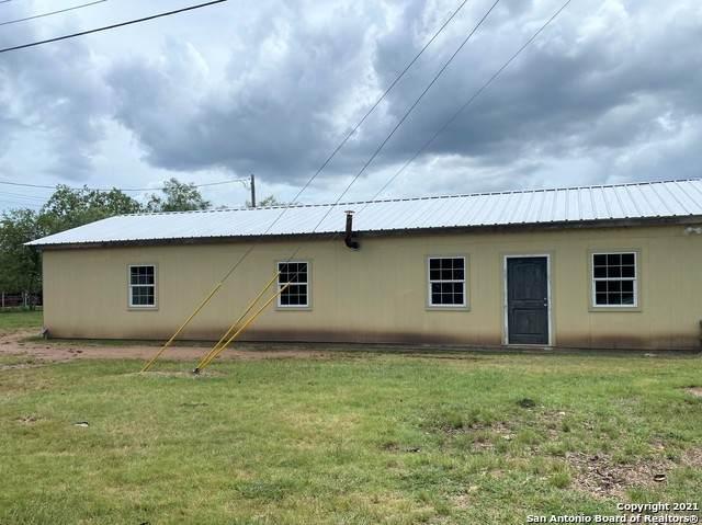 775 Lakeshore Dr, Bandera, TX 78003 (#1544575) :: Zina & Co. Real Estate