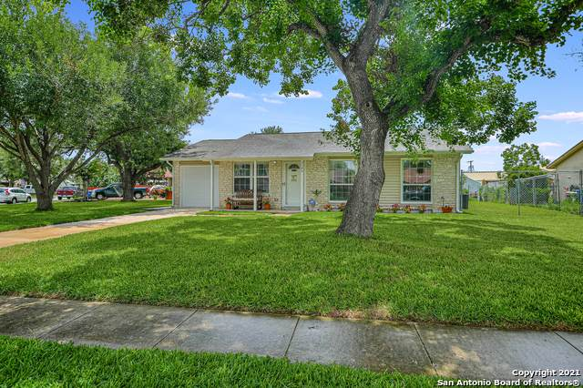 3246 Merriweather, San Antonio, TX 78223 (#1544626) :: The Perry Henderson Group at Berkshire Hathaway Texas Realty