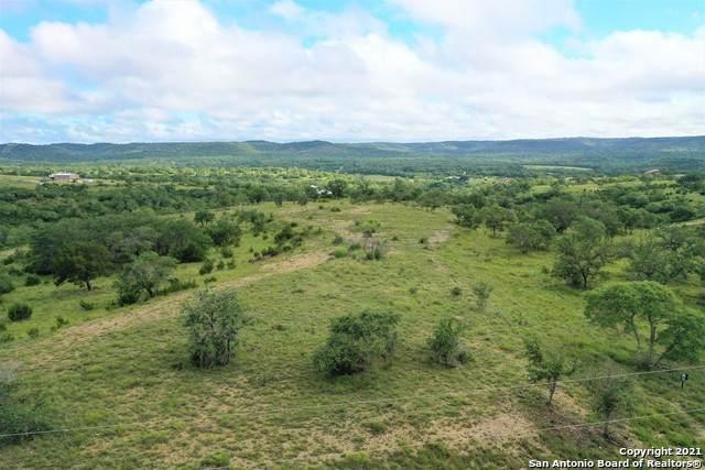 37 High Point Ranch Rd, Boerne, TX 78006 (MLS #1544713) :: JP & Associates Realtors