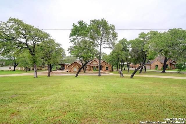 212 Rosewood Dr, La Vernia, TX 78121 (MLS #1544876) :: The Real Estate Jesus Team