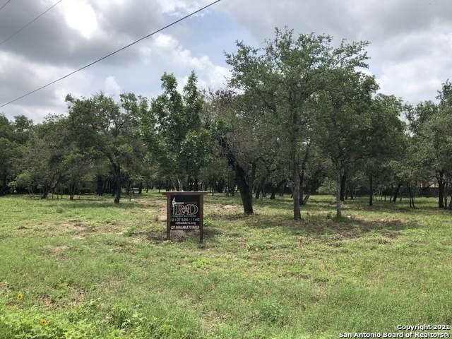 100 Legacy Run Dr, La Vernia, TX 78121 (MLS #1544904) :: Williams Realty & Ranches, LLC