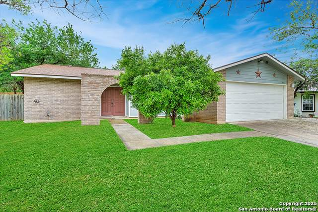 802 Thrasher Dr, San Antonio, TX 78245 (#1544929) :: The Perry Henderson Group at Berkshire Hathaway Texas Realty