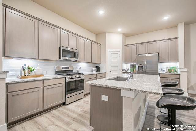 1953 Colonial Ave, New Braunfels, TX 78130 (#1545055) :: The Perry Henderson Group at Berkshire Hathaway Texas Realty