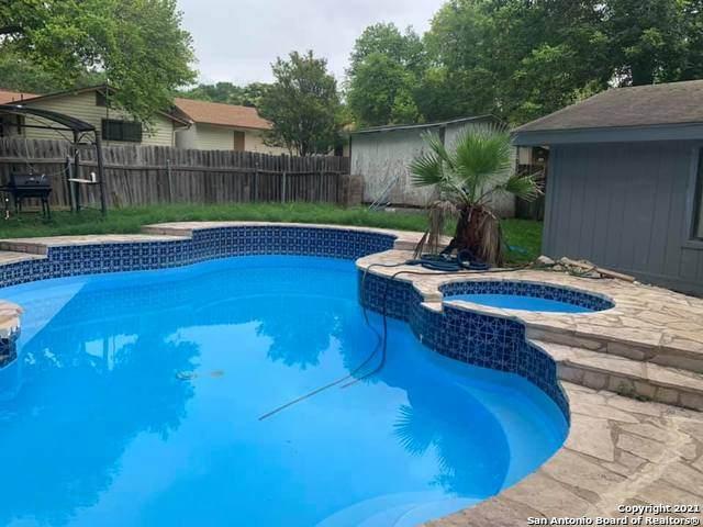 6011 Forest Ridge, San Antonio, TX 78240 (MLS #1545068) :: The Lopez Group