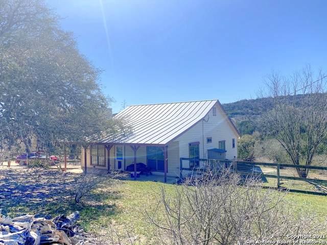 1138 Silver Springs, Helotes, TX 78023 (MLS #1545069) :: Vivid Realty