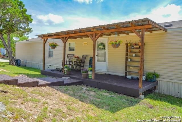 2185 Forest Trail Dr, Bandera, TX 78003 (MLS #1545074) :: Carolina Garcia Real Estate Group