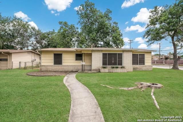 258 Schmeltzer Ln, San Antonio, TX 78213 (MLS #1545151) :: The Castillo Group