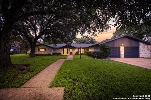 320 Tanglewood Trail, Gonzales, TX 78629 (MLS #1545514) :: The Real Estate Jesus Team