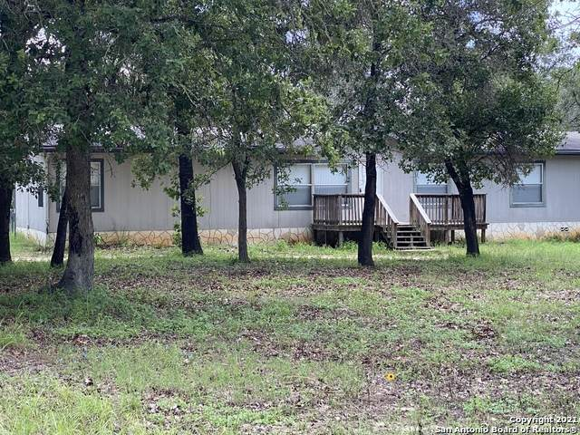 917 Hickory Grove, La Vernia, TX 78121 (MLS #1545563) :: The Mullen Group | RE/MAX Access
