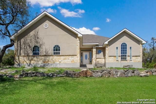 560 Lorne Rd, Canyon Lake, TX 78133 (MLS #1545585) :: Exquisite Properties, LLC