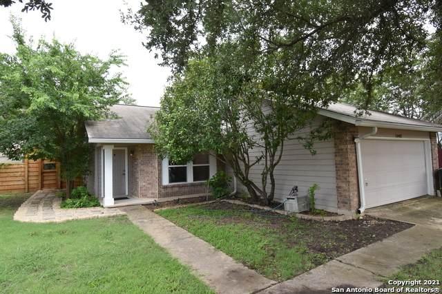10402 Eagle Fox, San Antonio, TX 78245 (#1545626) :: Zina & Co. Real Estate