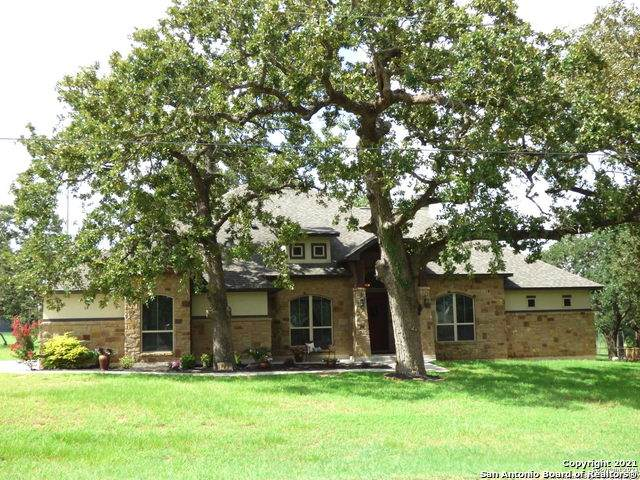117 Miller Cove, La Vernia, TX 78121 (#1545649) :: The Perry Henderson Group at Berkshire Hathaway Texas Realty