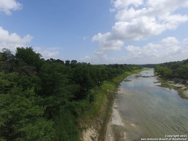 152 Lakeshore Park, Bandera, TX 78003 (#1545715) :: Zina & Co. Real Estate