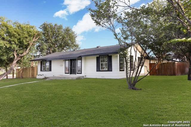 1080 Ivy Ln, Terrell Hills, TX 78209 (MLS #1545725) :: Concierge Realty of SA