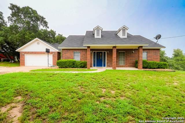 1853 Lakeview Dr, Floresville, TX 78114 (MLS #1545729) :: Exquisite Properties, LLC