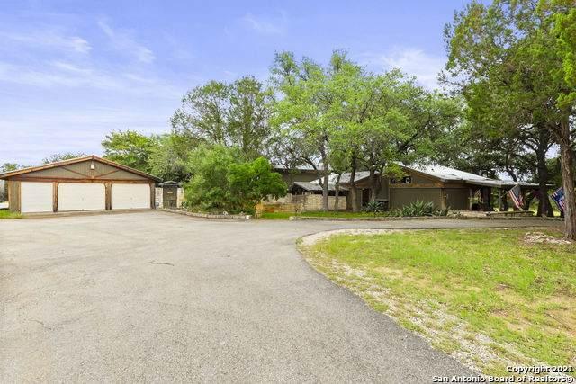 351 Windmill Oaks Dr, Wimberley, TX 78676 (#1545835) :: Zina & Co. Real Estate