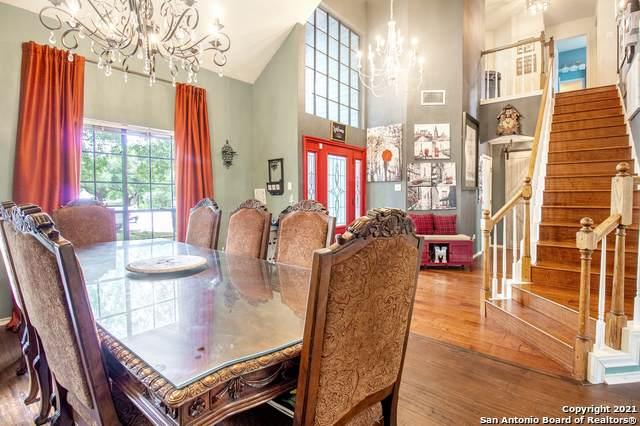 10106 Sandyglen, San Antonio, TX 78240 (MLS #1545896) :: The Real Estate Jesus Team