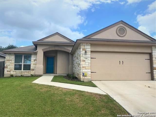 7707 Bit Cir, Elmendorf, TX 78112 (MLS #1545942) :: Exquisite Properties, LLC