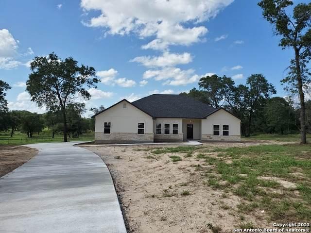 521 County Road 6871 E, Natalia, TX 78059 (MLS #1546023) :: Vivid Realty