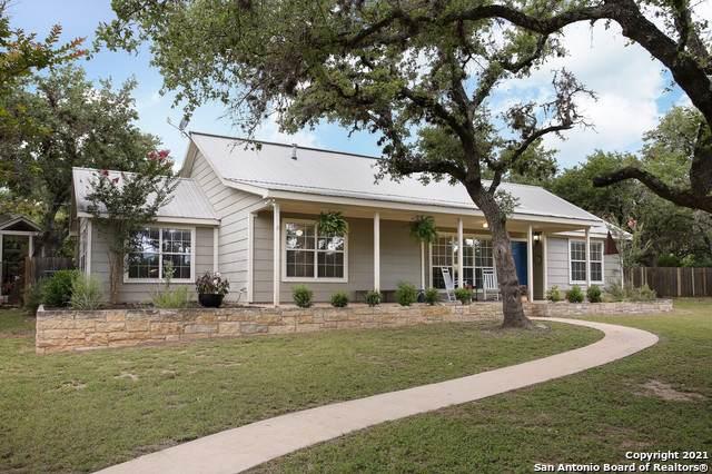 708 Liveoak Dr, Johnson City, TX 78636 (MLS #1546182) :: The Lopez Group
