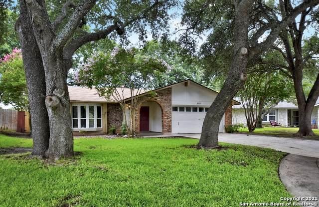 8235 Devlin Pt, San Antonio, TX 78240 (#1546207) :: The Perry Henderson Group at Berkshire Hathaway Texas Realty