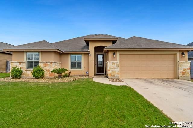 1824 Wandering Trail, Pleasanton, TX 78064 (MLS #1546279) :: Carter Fine Homes - Keller Williams Heritage