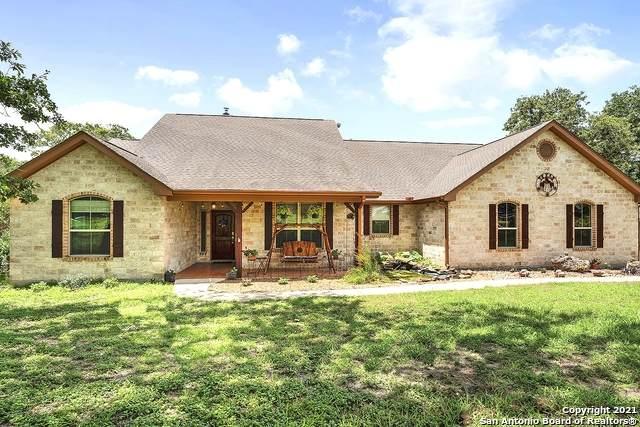 320 Rose Meadow Dr., La Vernia, TX 78121 (MLS #1546316) :: The Real Estate Jesus Team