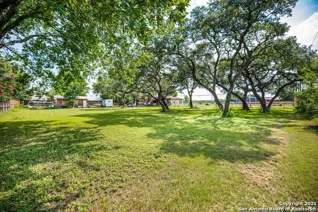 320 N Esser Rd, Boerne, TX 78006 (MLS #1546360) :: The Rise Property Group