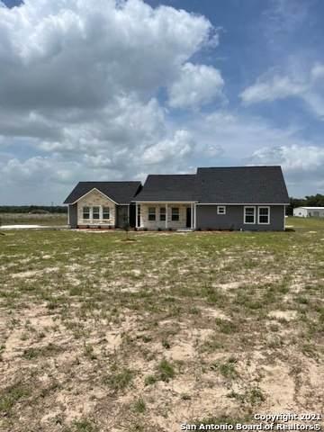 241 Stallion Trail, Natalia, TX 78059 (MLS #1546362) :: The Glover Homes & Land Group