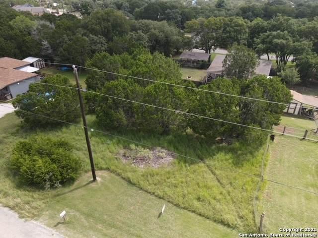 1080 Blueridge Dr, Canyon Lake, TX 78133 (MLS #1546381) :: Carter Fine Homes - Keller Williams Heritage